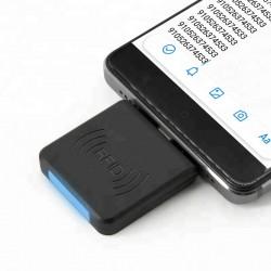 Cititor de etichete RFID...